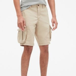 Gap Khaki cargo shorts